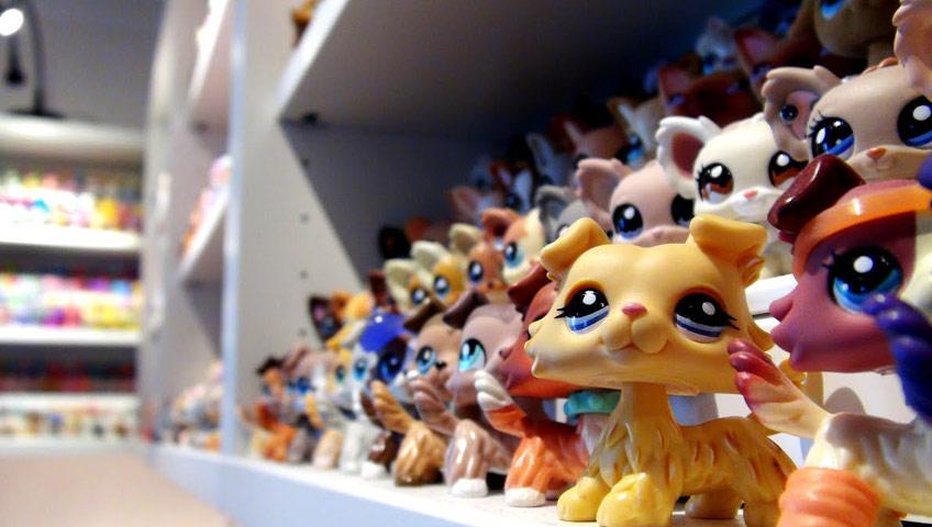 Brinquedos em Prateleiras